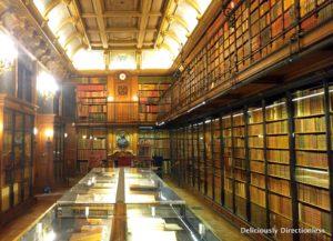 Cabinet des Livres in Chateau de Chantilly 1